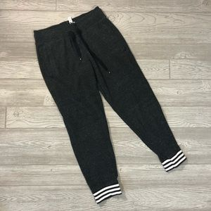 adidas • Vintage Style Crop Joggers